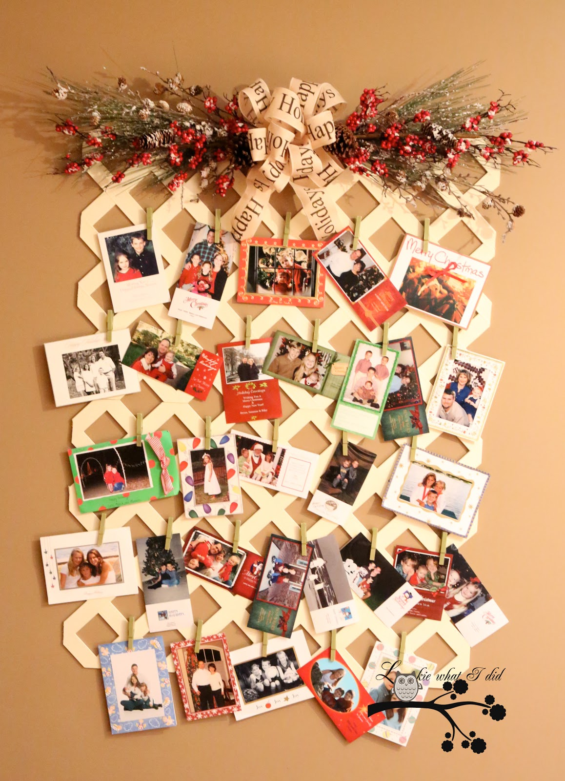 Red hen home christmas in july lattice christmas card display - Christmas card wall holder ...