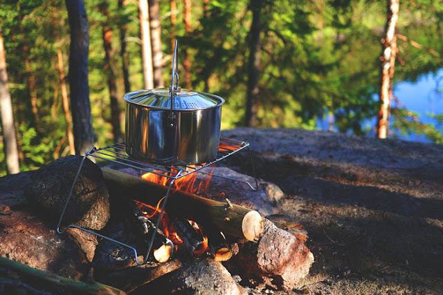 memasak di alam bebas