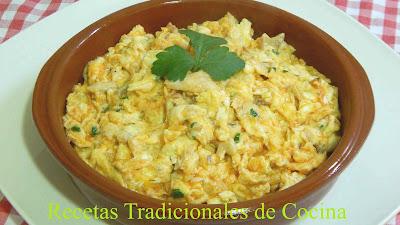 Receta de huevos revueltos con caballa o atún, fácil, económica y rápida