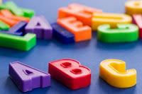 Научите вашего ребенка читать по-английски с помощью этих видео