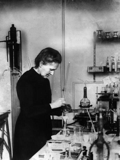 Marie_Curie.jpg