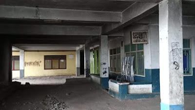 Lantai Tiga Kincai Plaza Seperti Rumah Hantu
