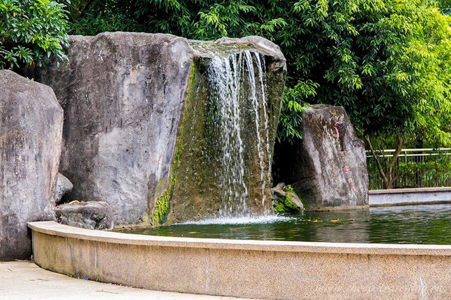 Водопад скала