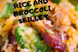 CHEESY KIELBASA, RICE AND BROCCOLI SKILLET #Dinner #Easyrecipe