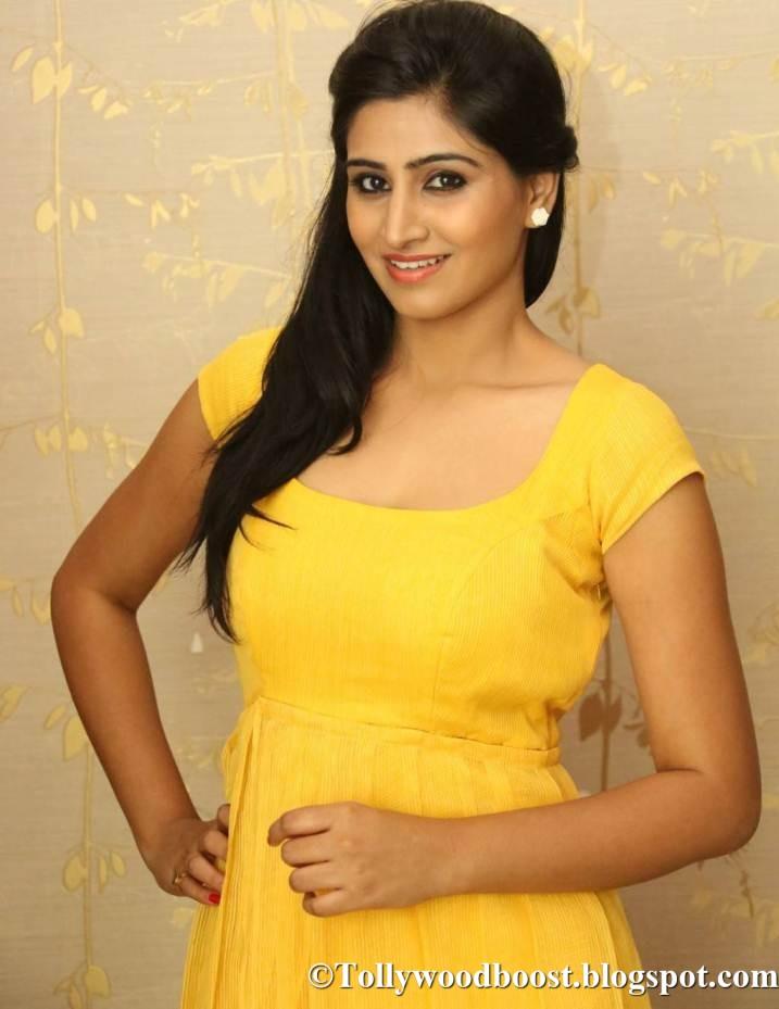 Telugu Actress Shamili Hot Photo Shoot In Yellow Dress 2017