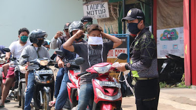 Dansektor 7 Blusukan  Bagikan 1.600 Masker Gratis