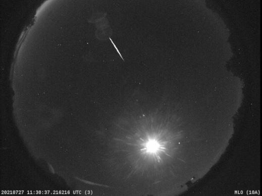Meteoro da chuva Delta Aquáridas Austrais registrado pelo sistema de câmeras all-sky da NASA em Mt Lemmon no Arizona no dia 27 de julho de 2021