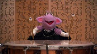 Ovejita, the people in your neighborhood Conductor Alan Gilbert, Sesame Street Episode 4324 Trashgiving Day season 43