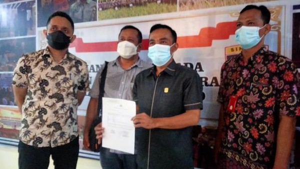 Dipolisikan soal UU ITE, Bupati Solok Harap Masalah Selesai dengan Mediasi