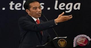 Presiden Jokowi : Dari 212 Ribu Sekolah, 100 Ribu Sekolah Belum Memiliki Peralatan Pendidikan