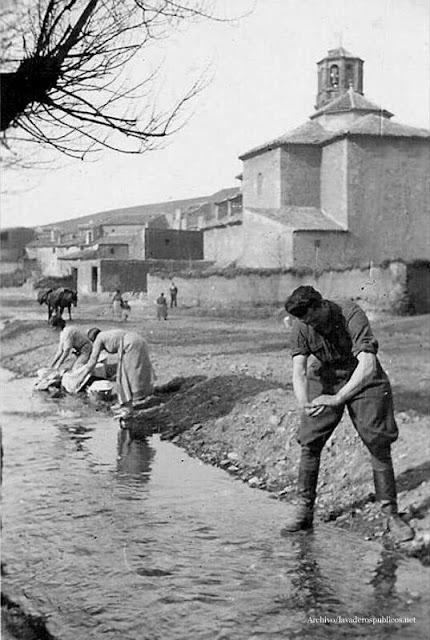 mujeres-lavando