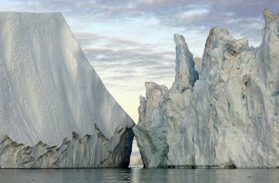 قلق كبير حول الأنهار الجليدية في جميع أنحاء العالم تذوب بشكل سريع