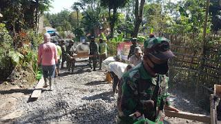 Sersan Dua A Rifandi Pelopori Perbaikan Jalan Desa Tambak Rejo