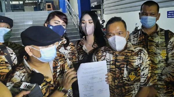 Akun Penyebar Rekaman 'Daging Ketemu Daging' Diadukan ke Polisi