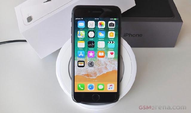 Iphone 8 Kamu Sering Error ? Apple Tawarkan Biaya Gratis Di Gerai Resminya !