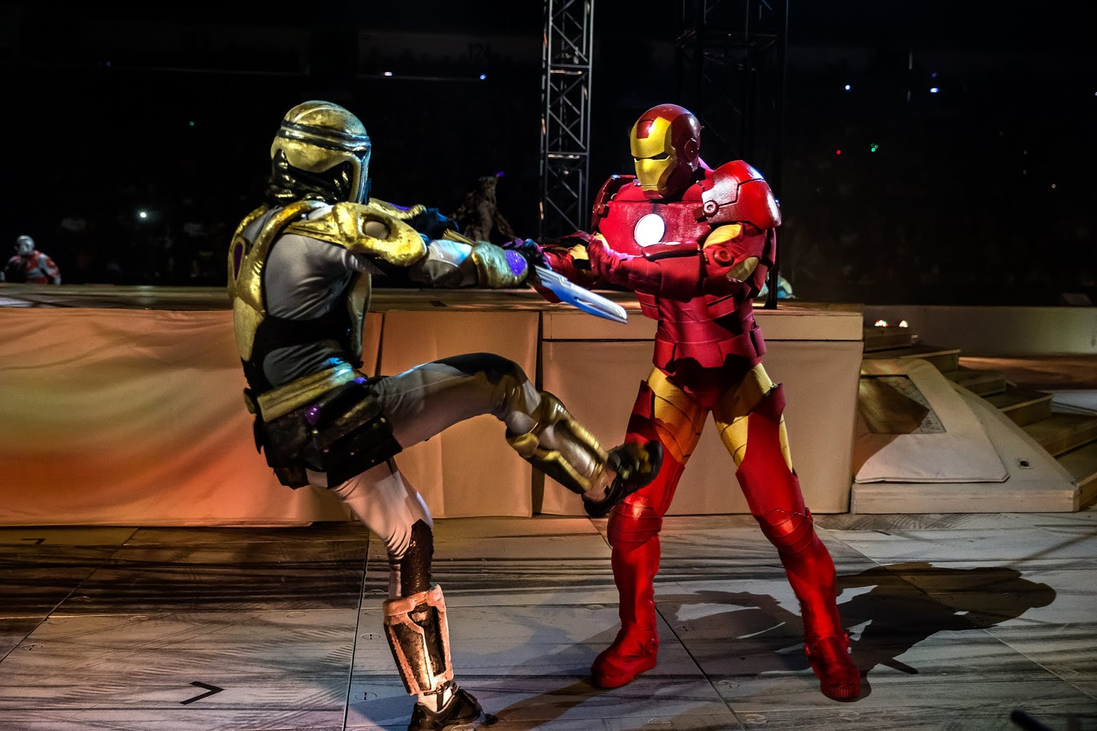 Marvel universe show iron man versus Thanos