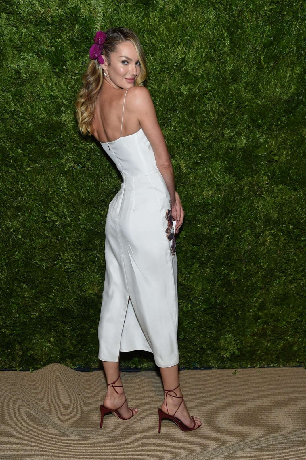 Candice Swanepoel – CFDA/Vogue Fashion Fund 2019 Awards in NYC