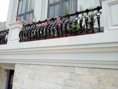 pagar balkon mewah