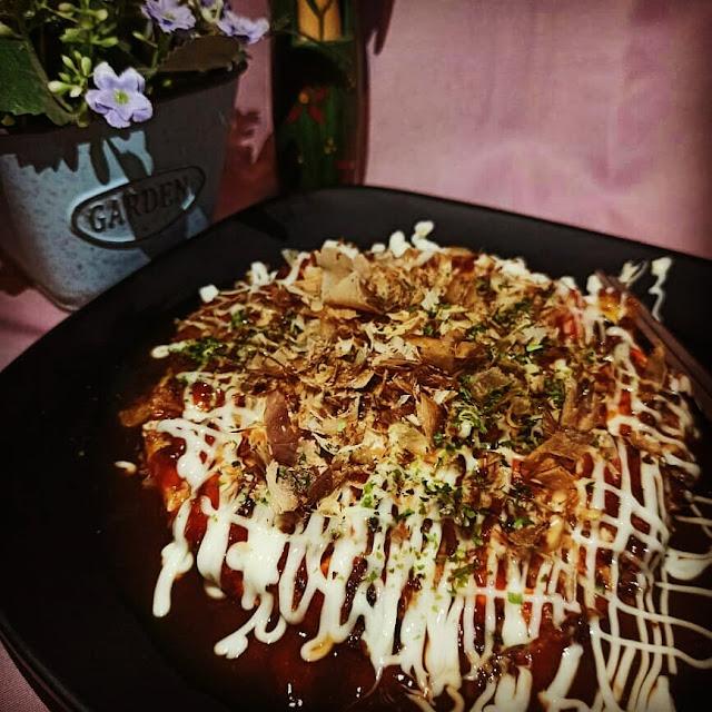 jajan sambil sedekah di takoyaki & okonomiyaki sensei