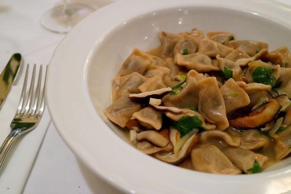 slovénie spécialités culinaires Žlikrofi