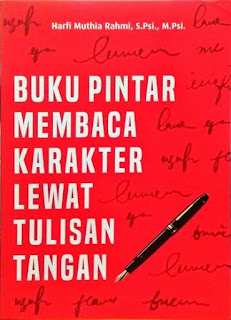 buku pintar membaca karakter lewat tulisan tangan