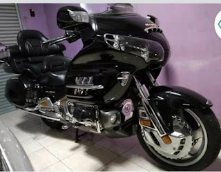BURSA MOGE BEKAS : Jual Honda Gold Wing 1800 black luxury 2004 (NP)