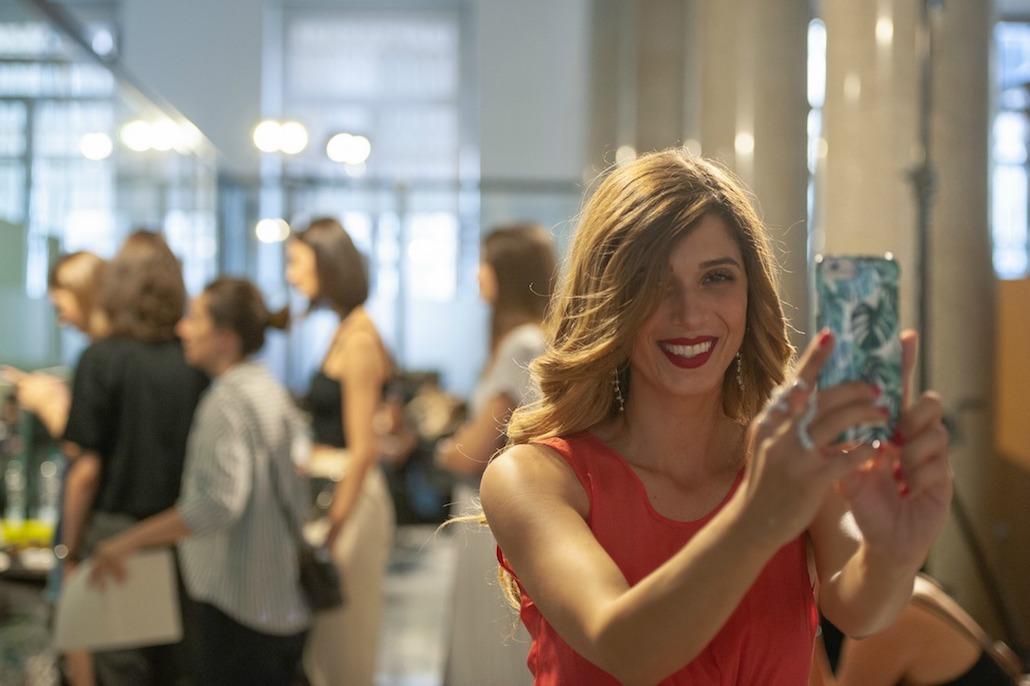 Intesa San Paolo porta la moda in filiale con Next Trend