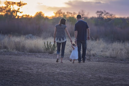 10 Perubahan Besar yang akan kamu alami setelah orang tua kamu tiada