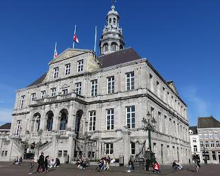 Traslado de Charleroi a Maastricht