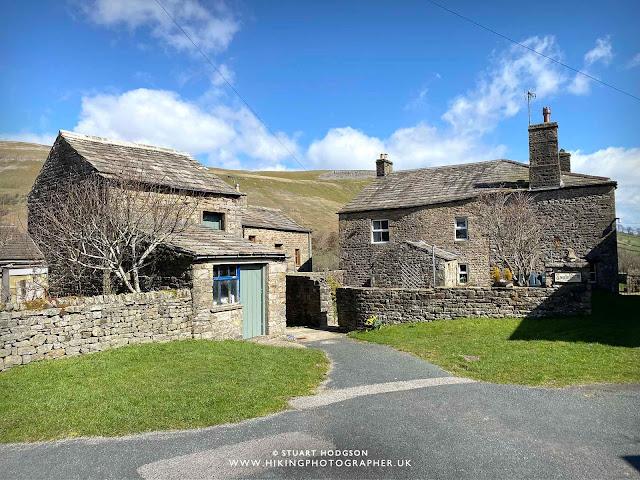 Muker village yorkshire dales holiday cottages