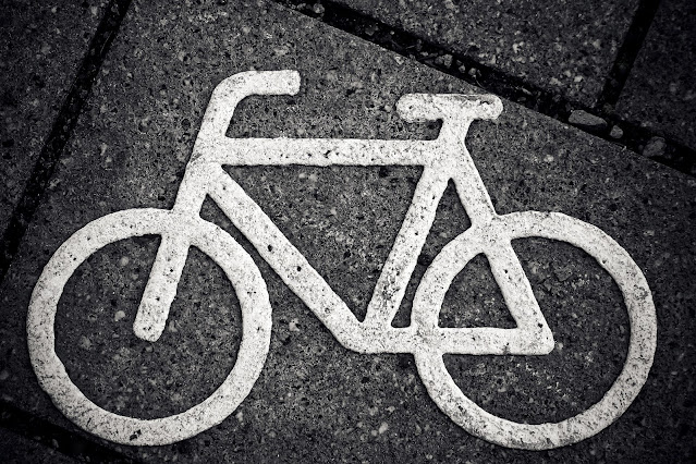 Sinalização de bicicleta no chão