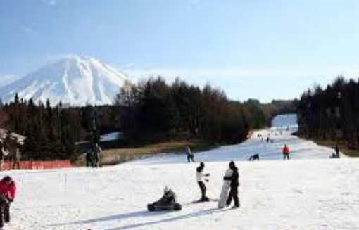 Perjalanan Belanjawan dan Resort Ski Musim Panas