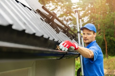 Gutter Cleaning – How a Professional Can Make a World of Difference