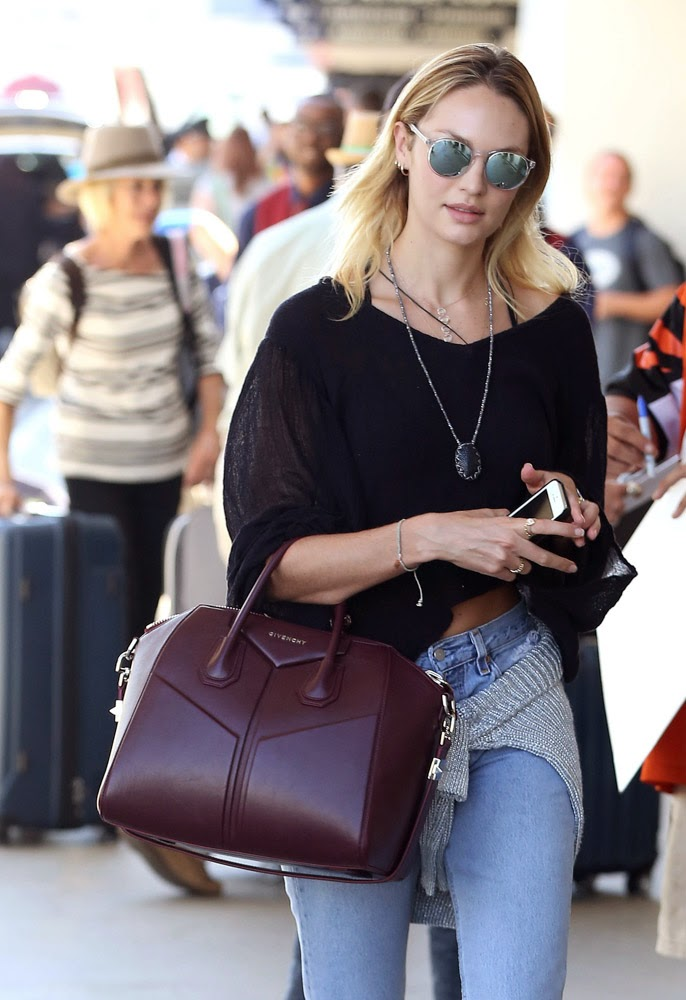 10 Photos Of Celebrities Which Proves That Channel Bag Is