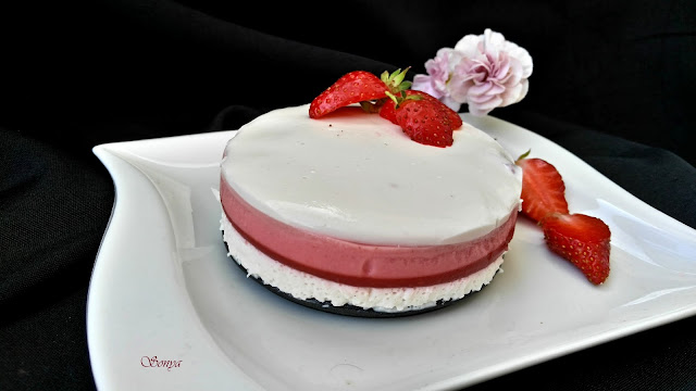 Желиран ягодов крем с кисело мляко сметана и мента