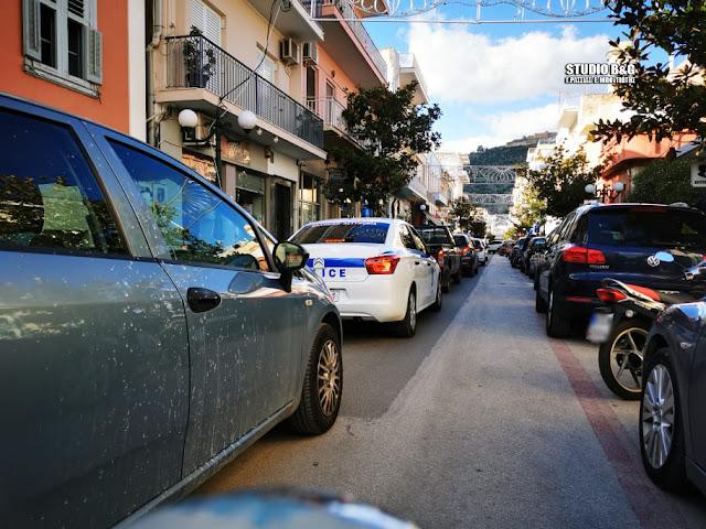 Αυξημένη κίνηση στους δρόμους του Άργους παραμονές της Πρωτοχρονιάς