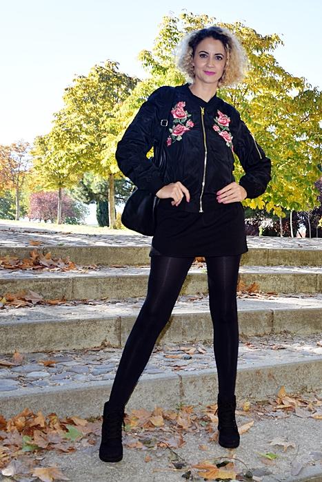 outfit-bomber-parches-flores-2