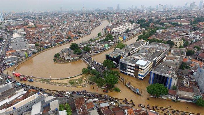Ratusan Korban Banjir DKI Gugat Anies Rp 42 Miliar ke PN Jakpus