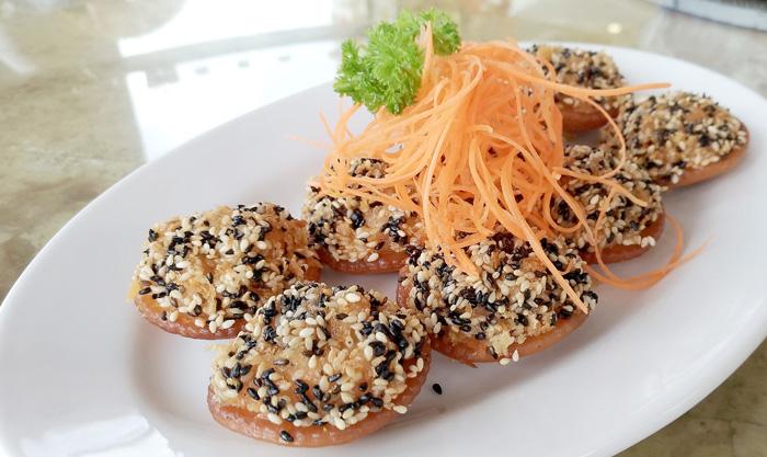 Stuffed Cookies with Sesame Seeds