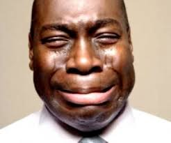problème des banques, homme qui pleure, banque fermée