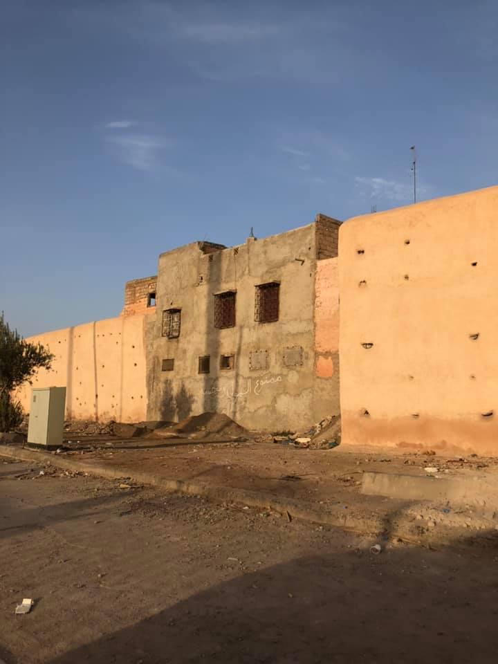 وأخيرا.. سلطات مراكش تهدم المنزل الذي استولى على جزء من سورها التاريخي