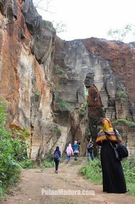 akcayatour, trave; bangkalan malang, travel malang bangkalan