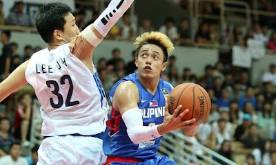 Terrence Romeo attacking the defense of Lee Dy for a lay up finish