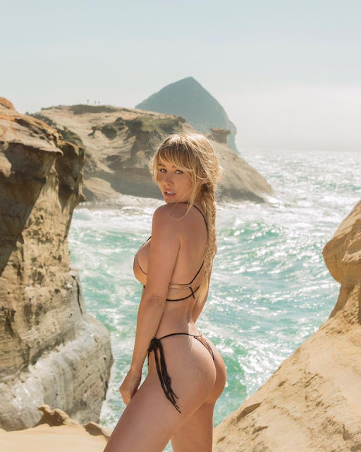 Hot girls Sara Underwood show body with bikini 5