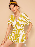 https://fr.shein.com/Drawstring-Waist-Striped-Romper-p-703512-cat-1860.html