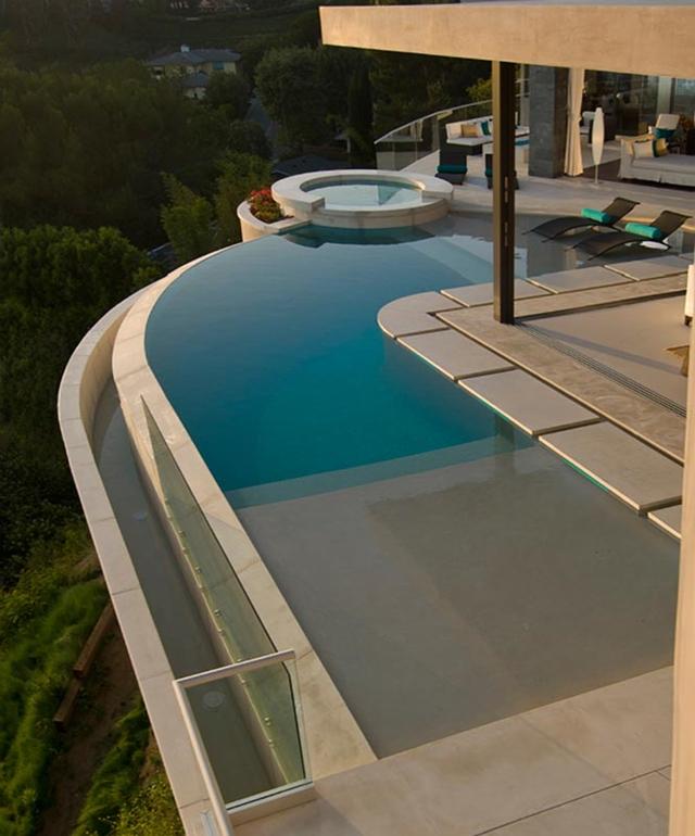 Swimming Pool Edge: World Of Architecture: Luxury Modern Villa On The Blue Jay