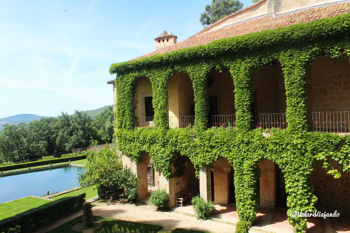 Volar viajando el monasterio de yuste lugar ideal para for Fotos de jardines preciosos