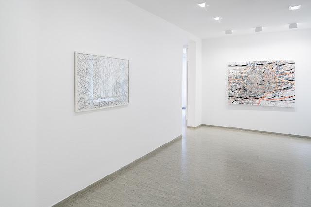 Ausstellung von Renata Jaworska in der Städtischen Galerie Villingen-Schwenningen. Die Künstlerin zeigt ihre neuen Arbeiten auf Leinwand und Papierarbeiten.