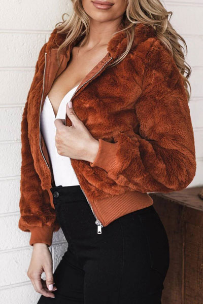 Winter is a great time to step up your personal style. See these 24 Trendy Winter Fashion Ideas for Not So Cold Days. Winter Outfit Ideas for Women via higiggle.com bomber jacket af #winter #fashion #jacket