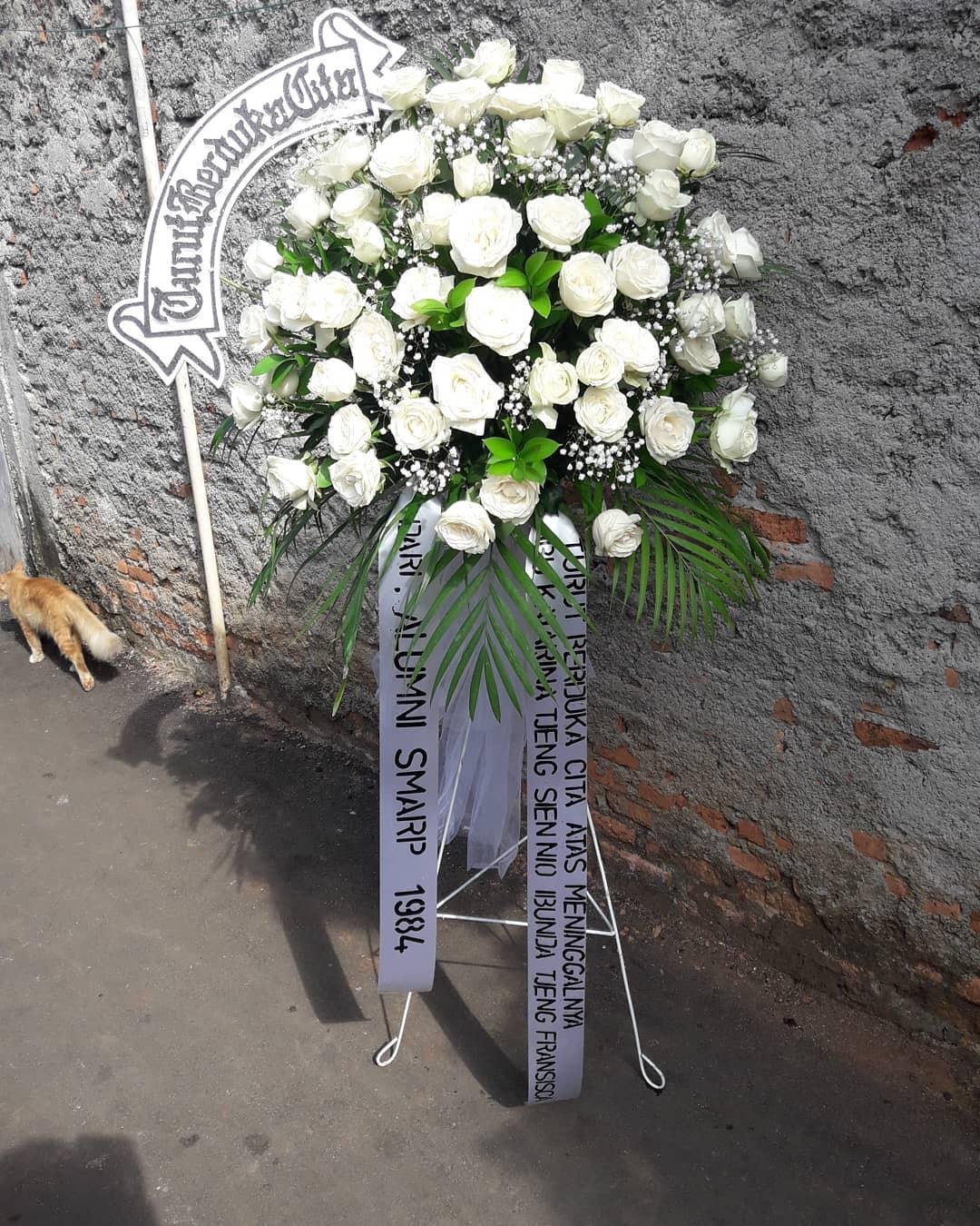 Karangan Bunga Standing Flowers 024